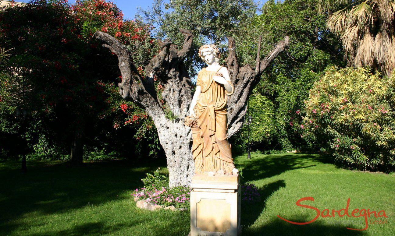 Statue in Cagliari