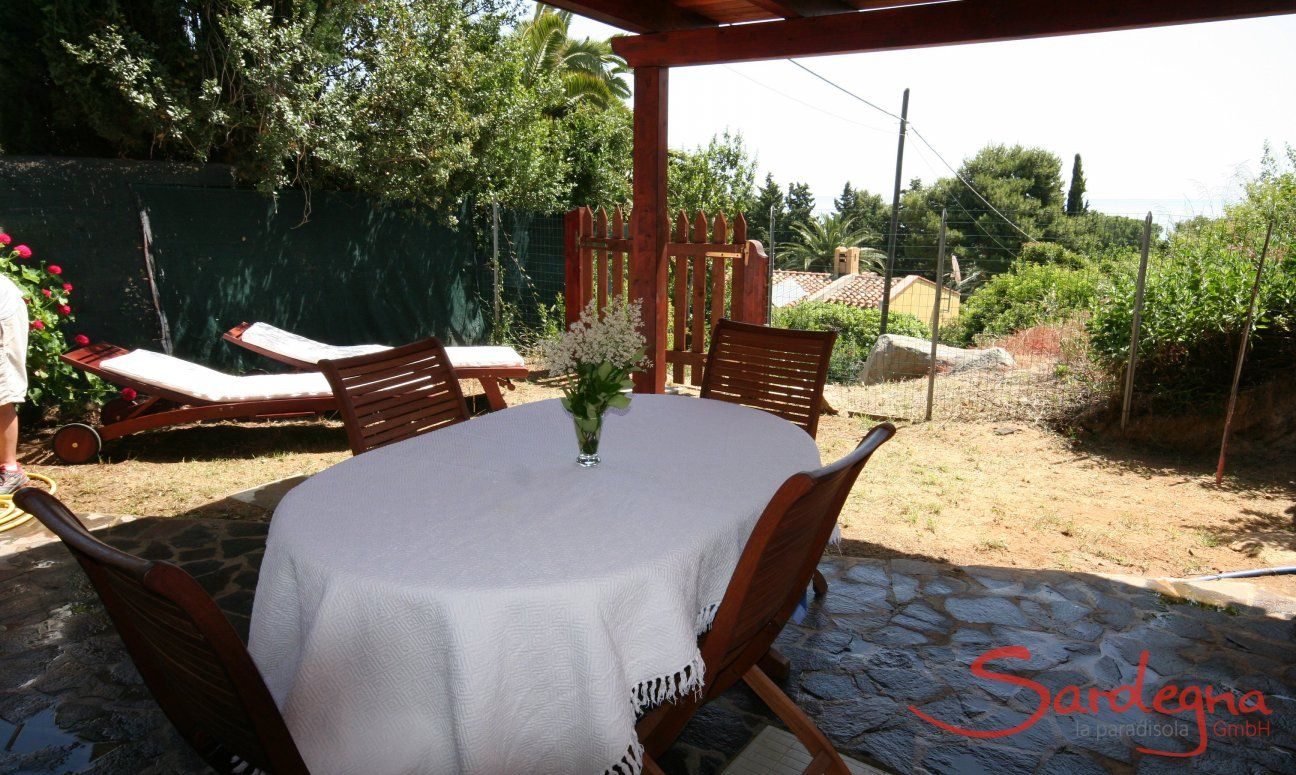 Terrace with dining area outside