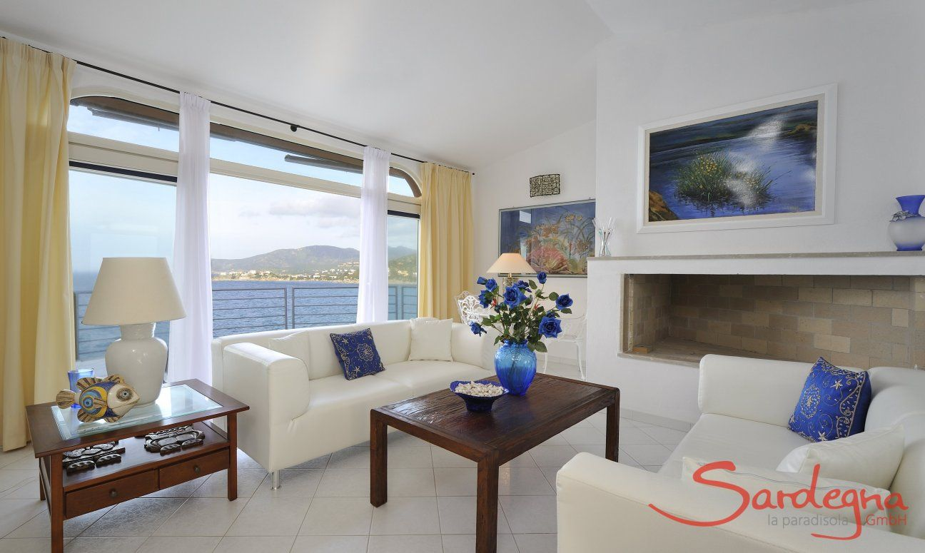 Bright living room with direct sea view