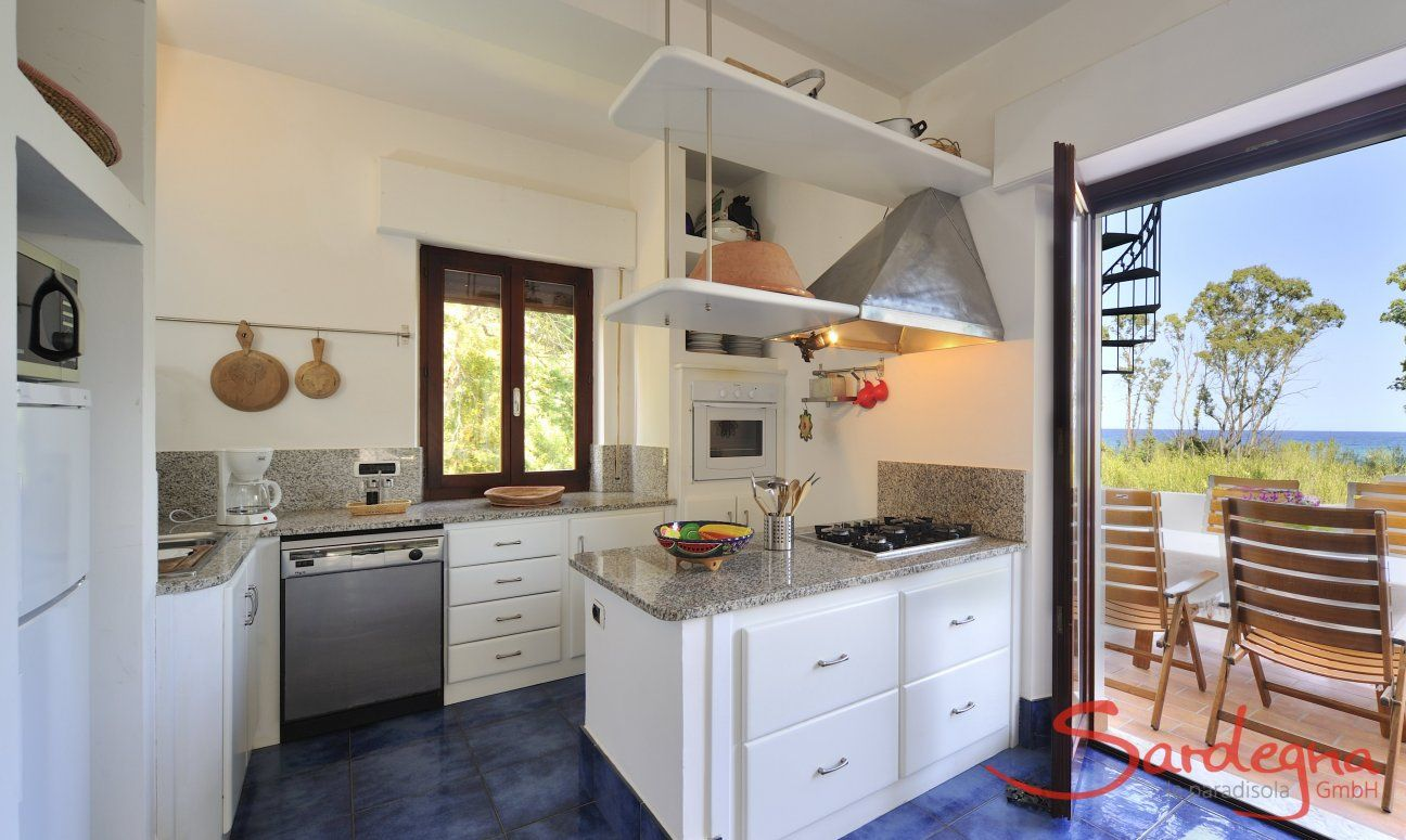 Open kitchen with terrace access