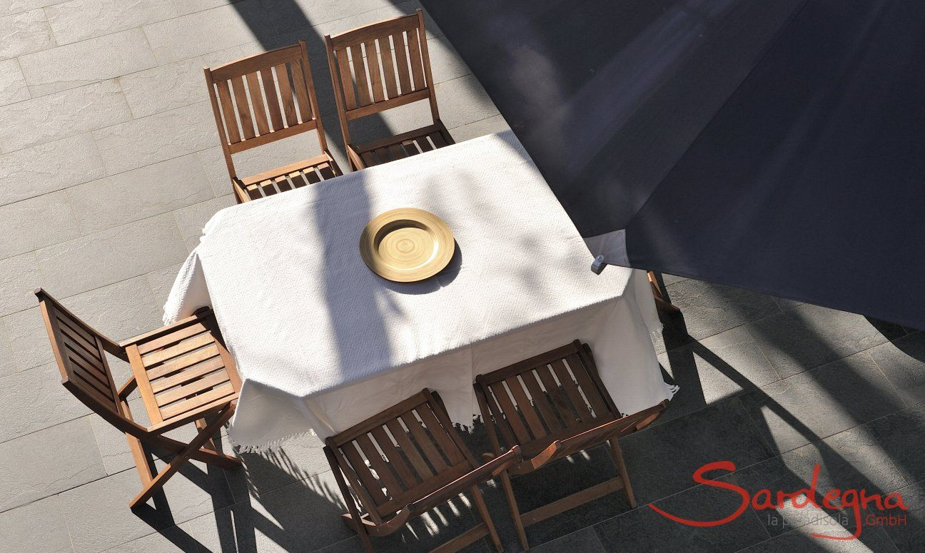 Dining table on the terrace from above