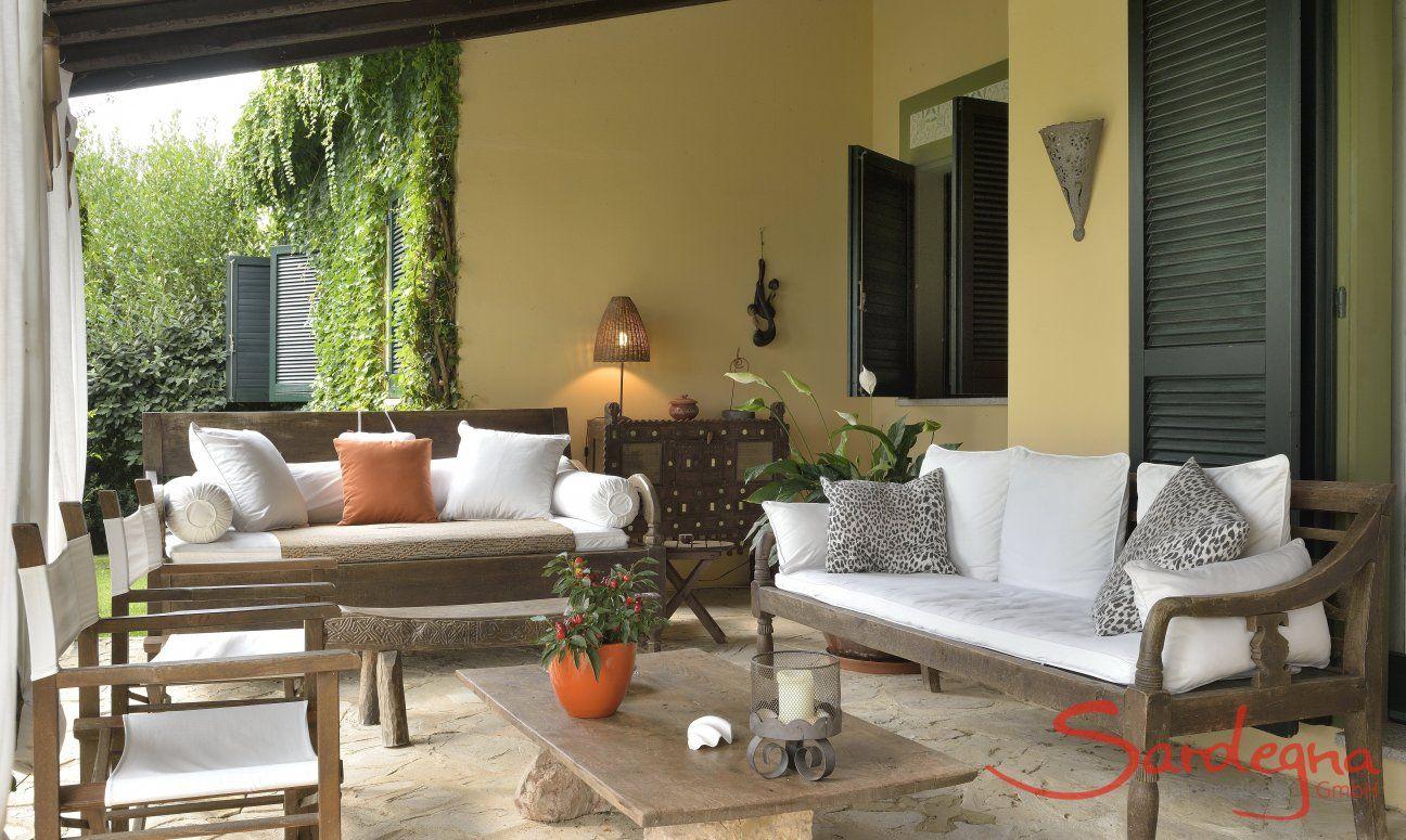 Lounge outside