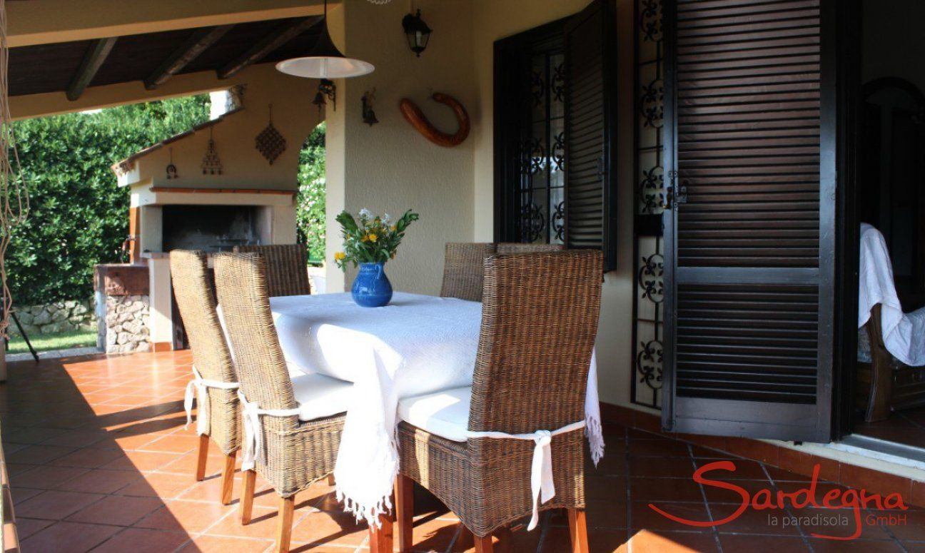 Dining table on the terrace