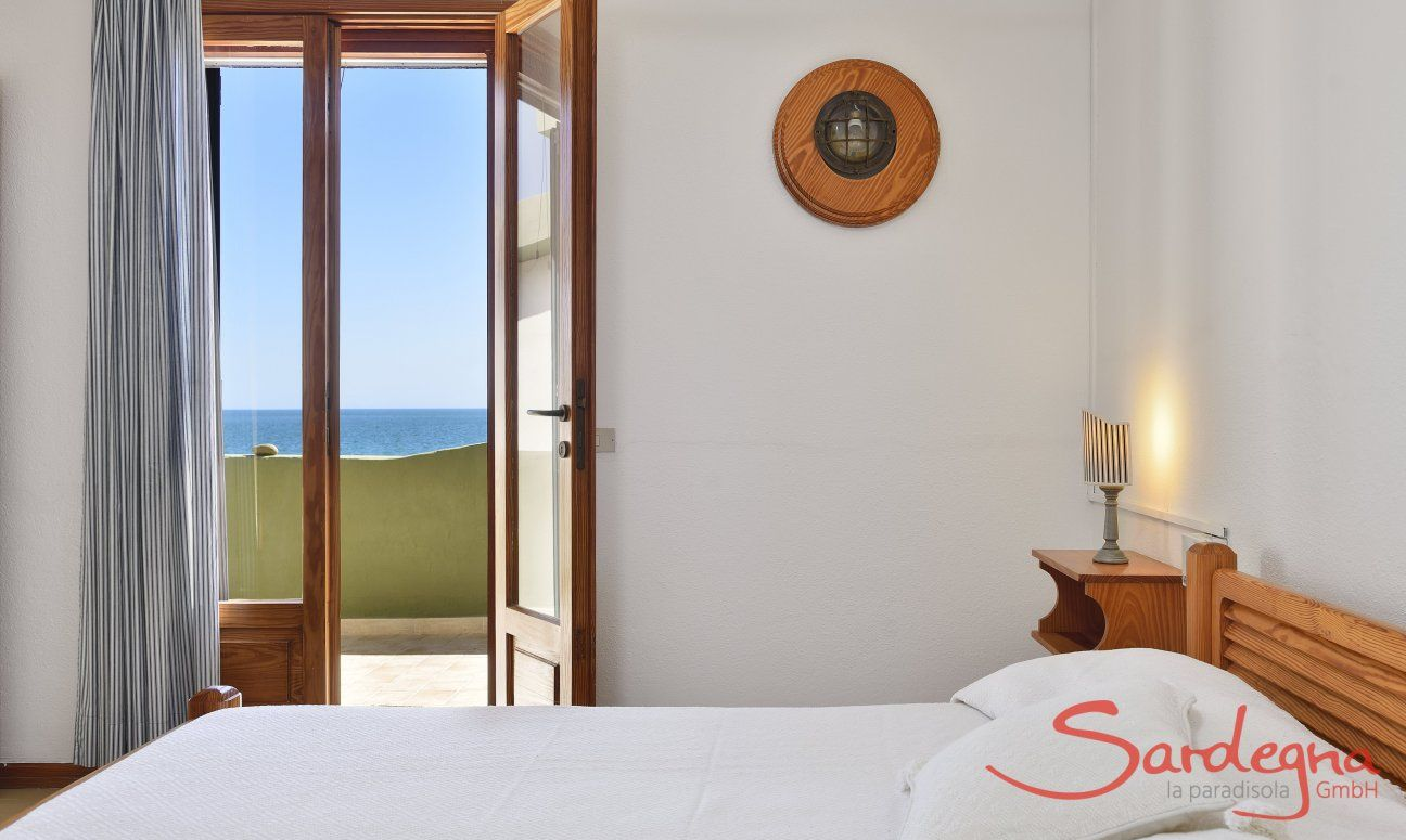 Bedroom 2 with double sized bed and seaview, 2nd floor