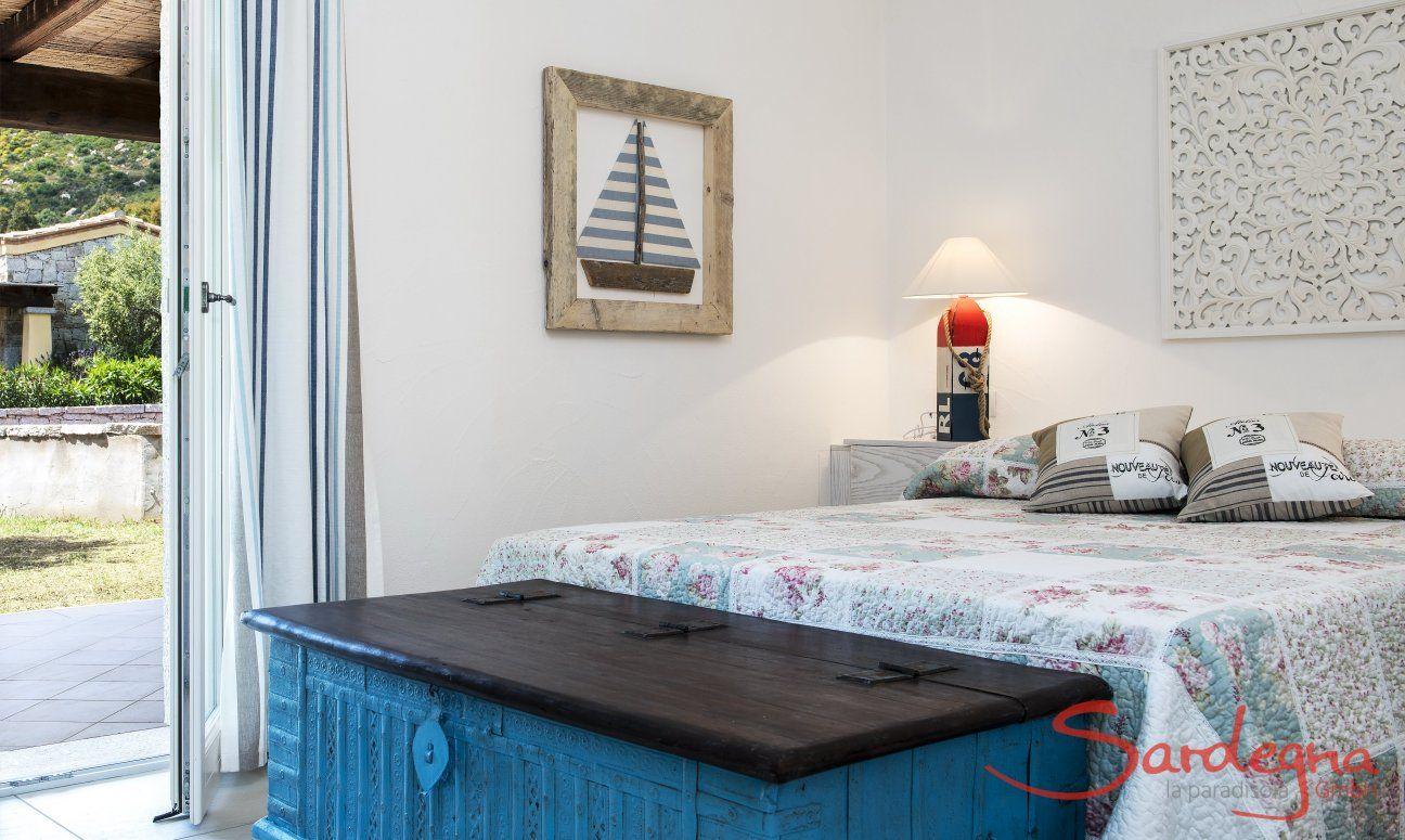 Bedroom with double bed  Villa Campidano 21
