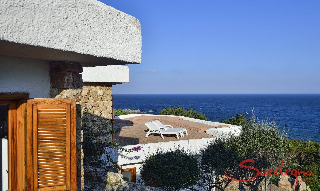 Villa Mirto with Terrace and view over the open sea