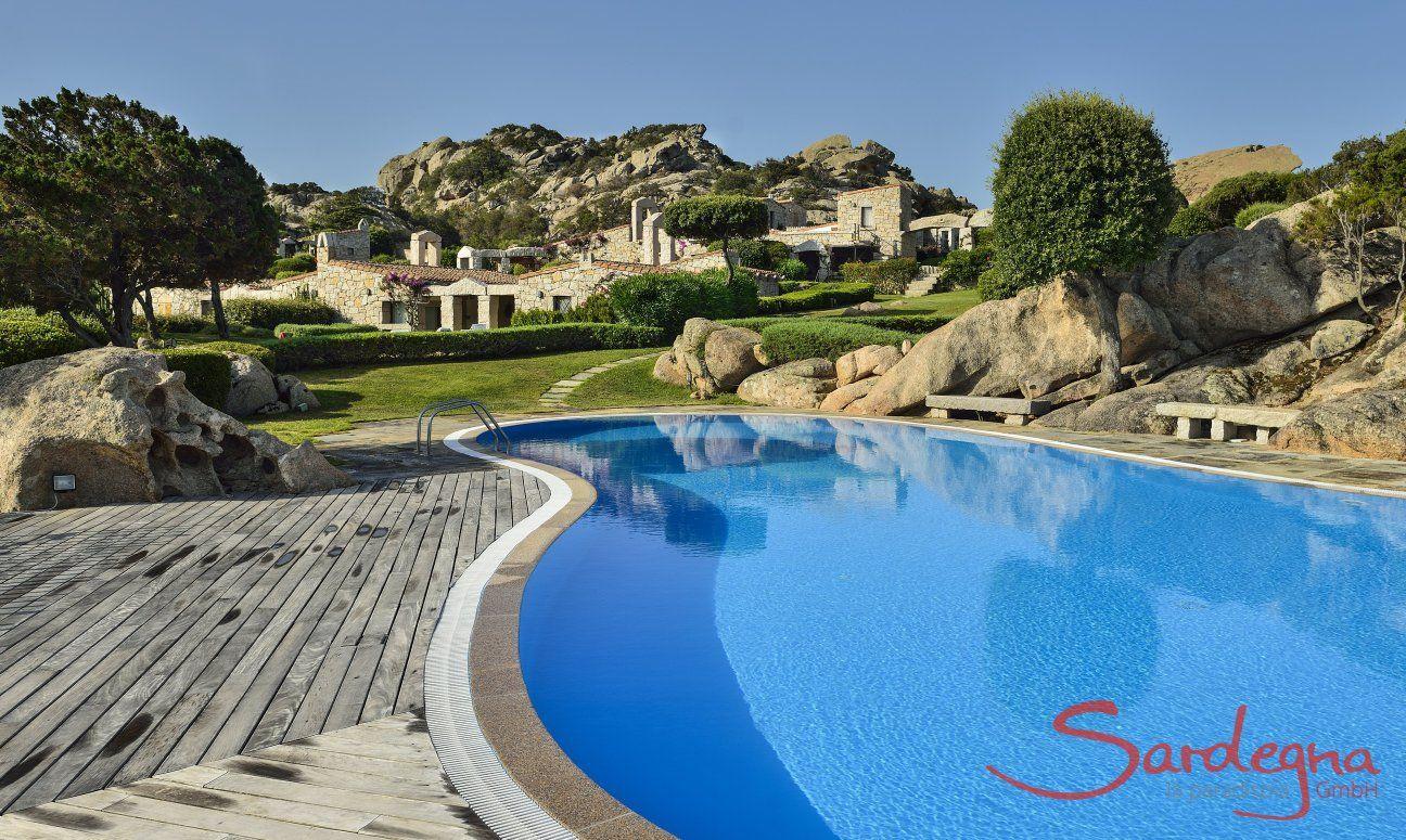 Shared pool of Domus di Pitrizza