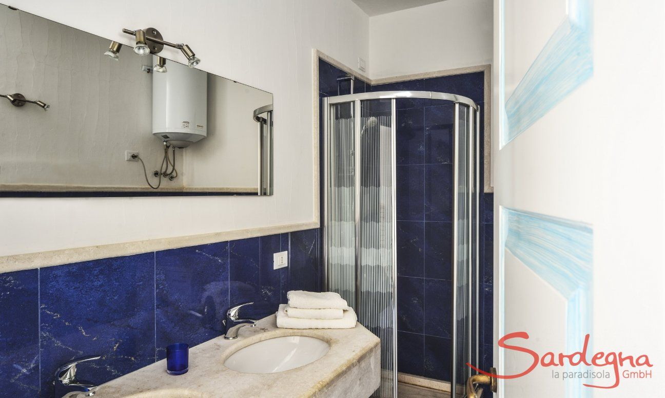 Bathroom 2 with shower and two sinks
