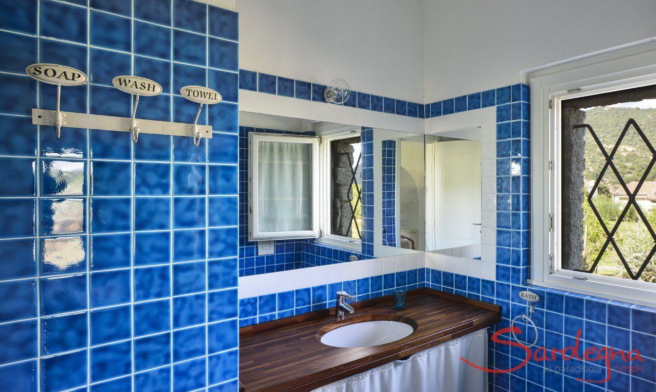 Bathroom 1ensuite