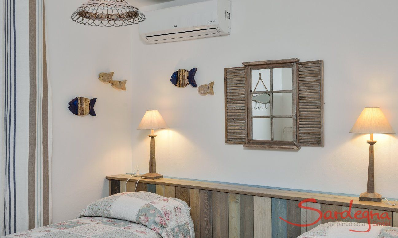 Stylish bedroom 2 with single beds