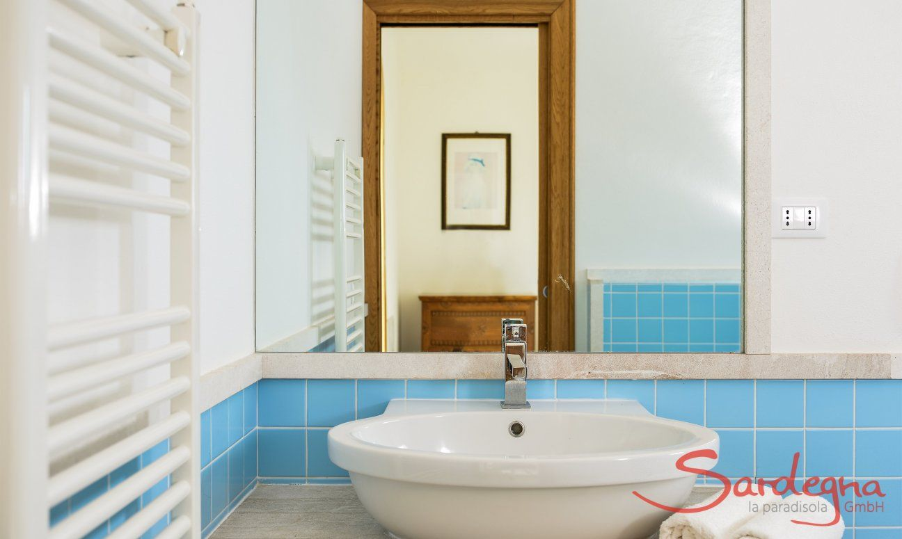 Bathroom first floor, Detail
