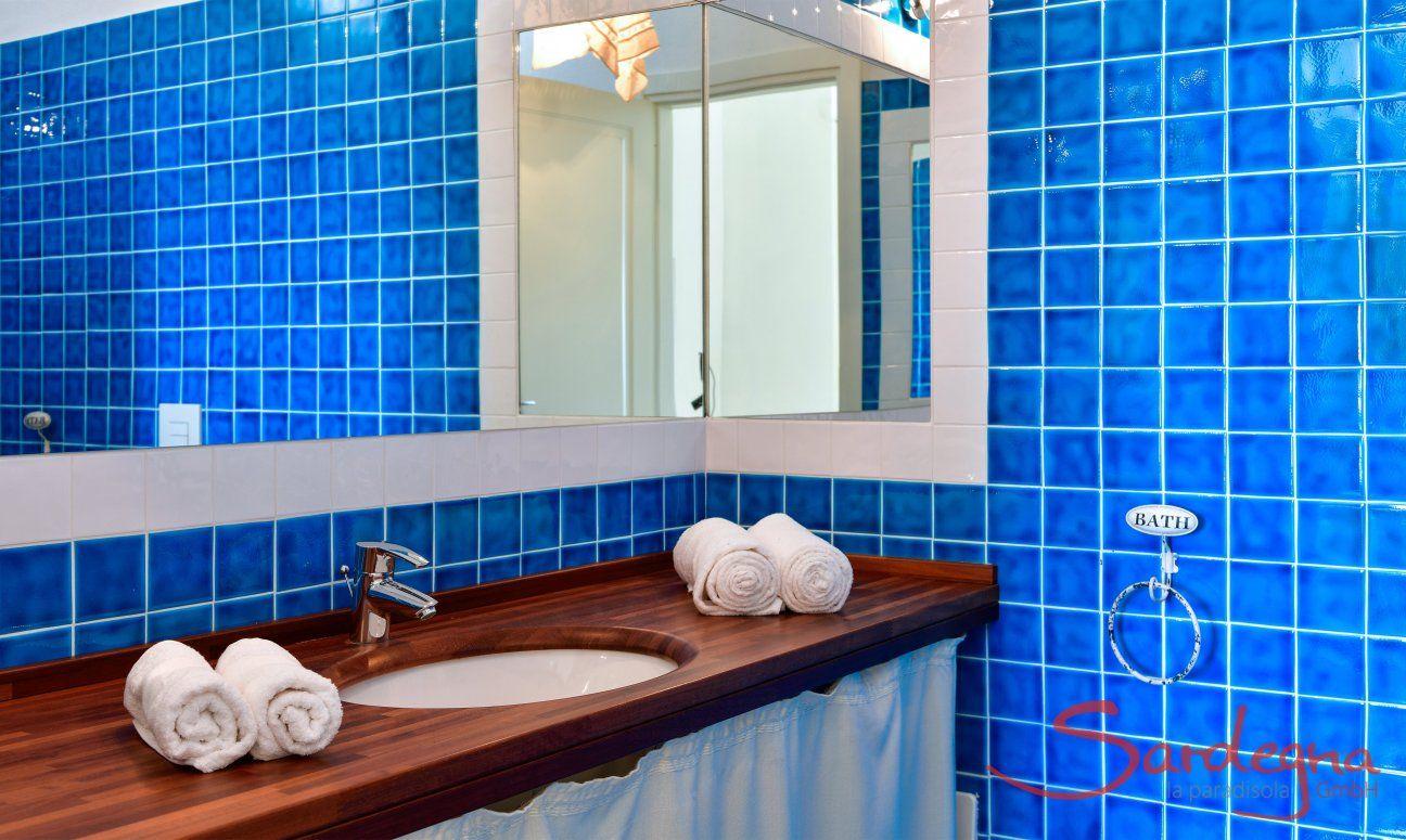 Ensuite Bath Bedroom 1