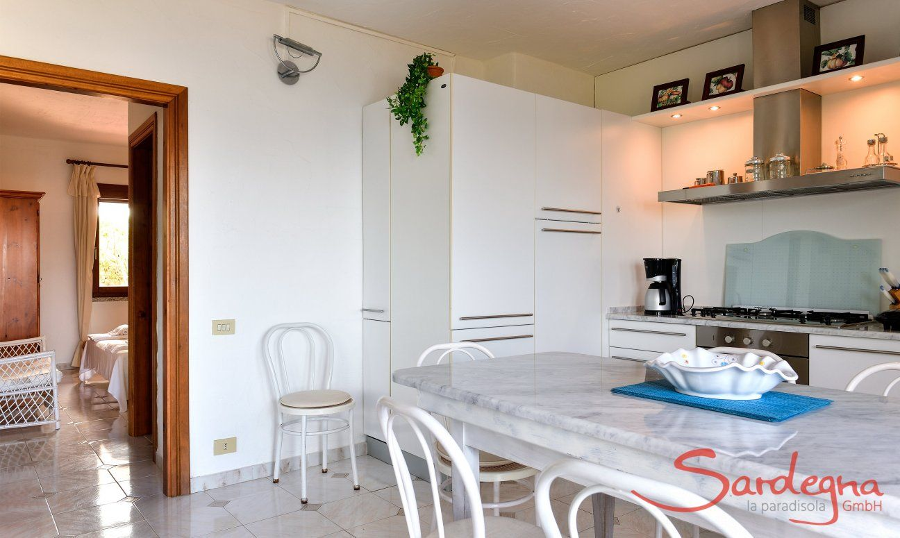 Fully equipped dining area