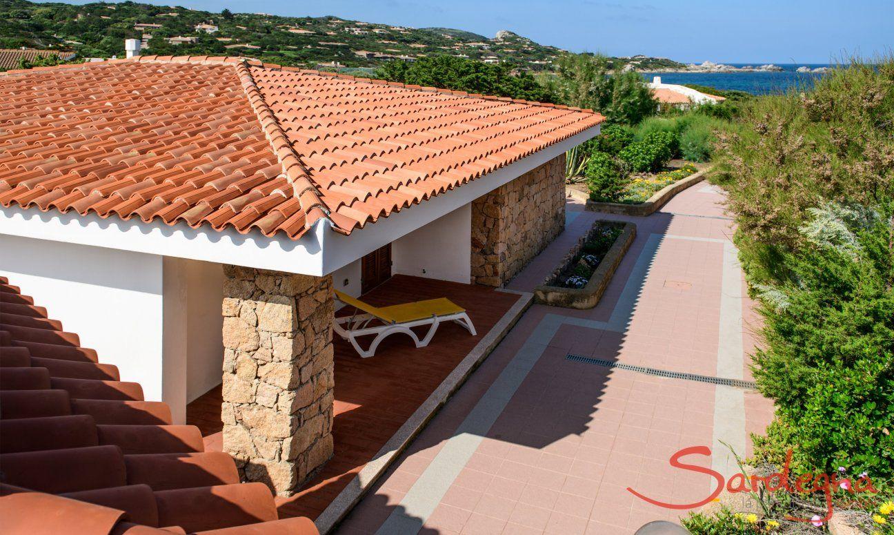 Villa and path to the sea