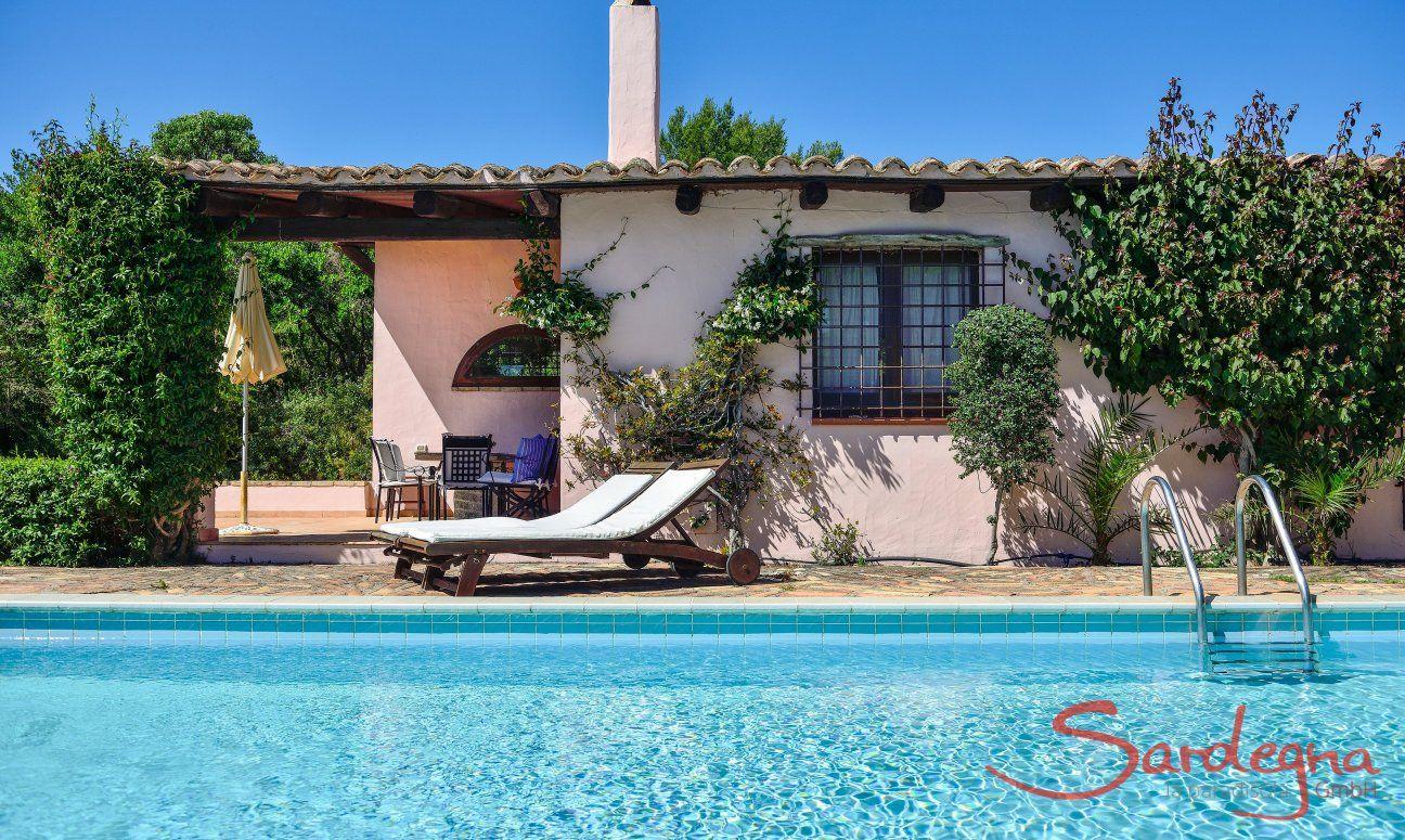 Private pool of Villa Fiori 3