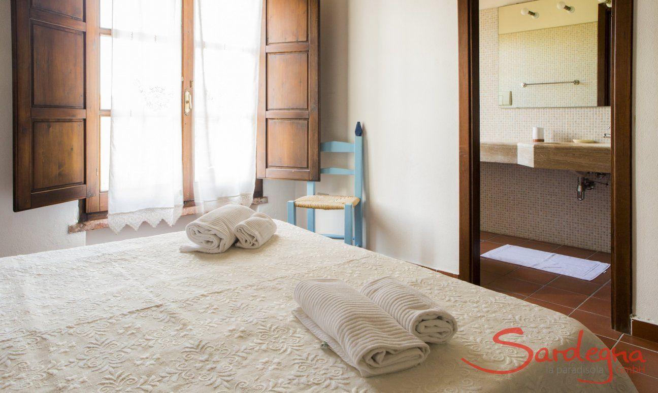 Bedroom 4 with ensuite-bathroom