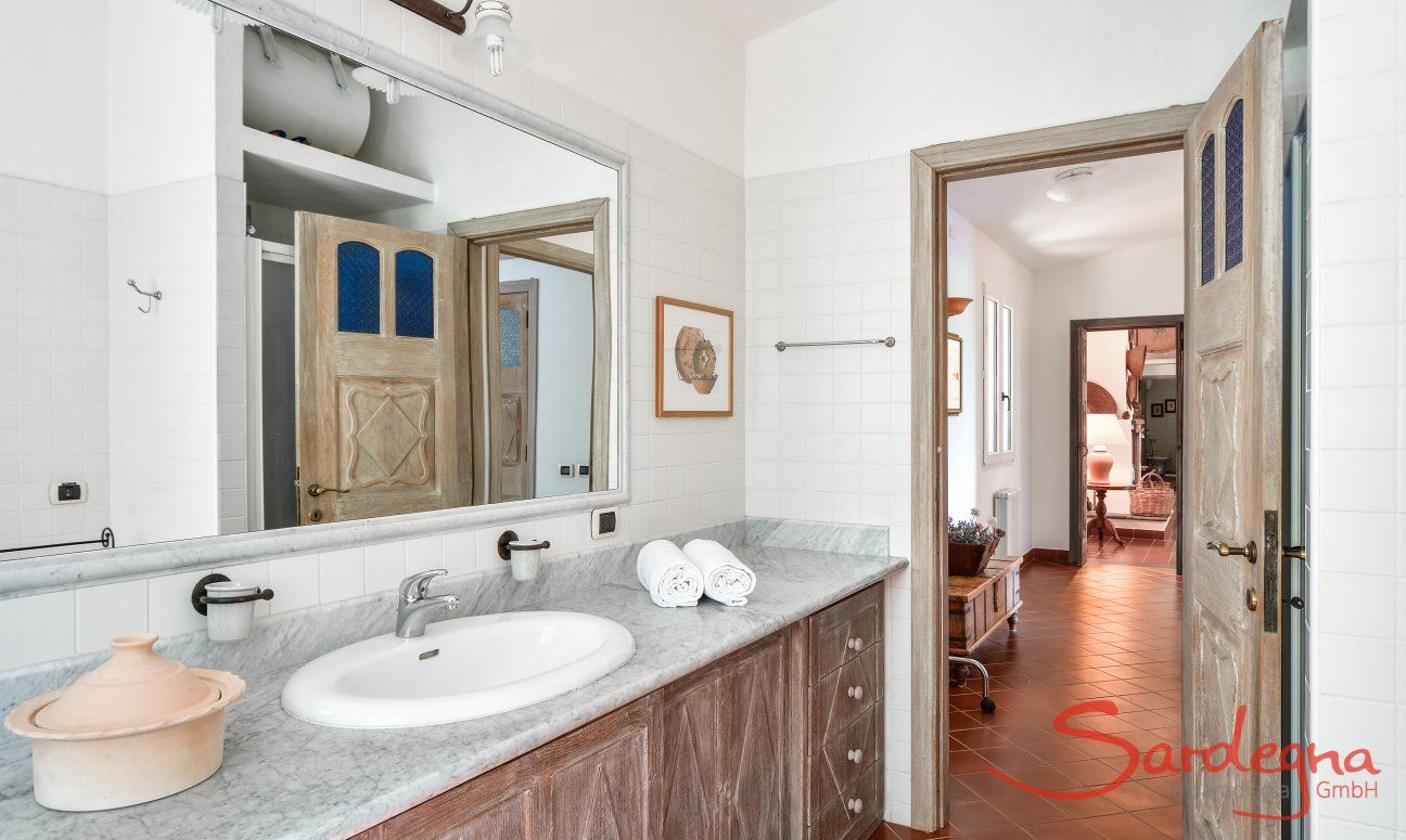 Big Bath east wing with a shower and bidet