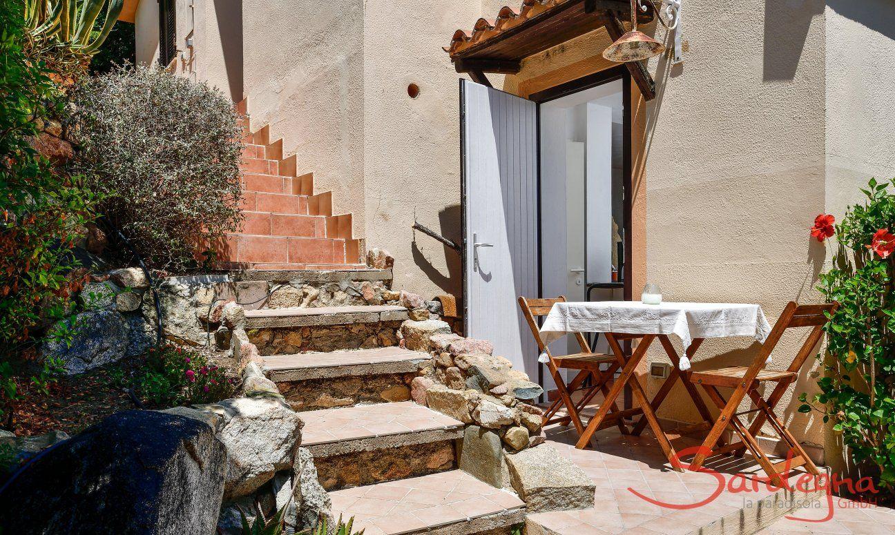Entrance, 50  steps to reach Nido 4