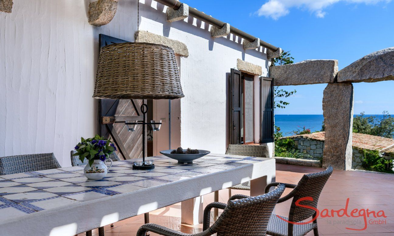 Terrace with table and sea view, Casa 15, Sant Elmo