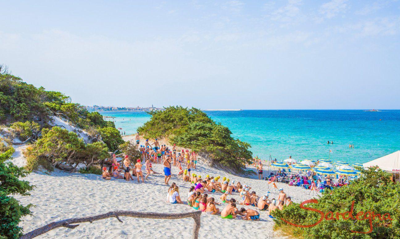 Organized games for children on the beach Maria Pia, Alghero