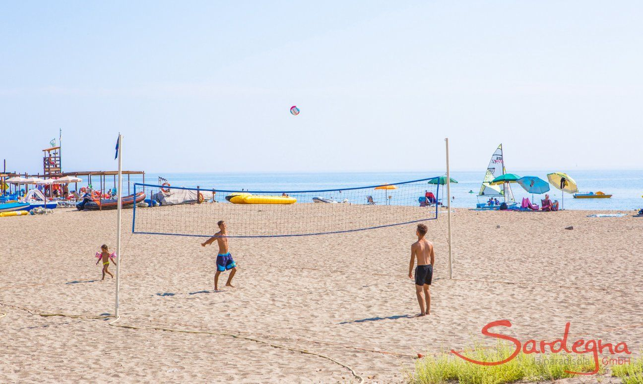Beachvolley at the beach of Torresalinas