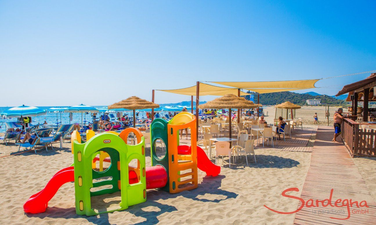 Lido and Games for kids on the beach of Torreslinas