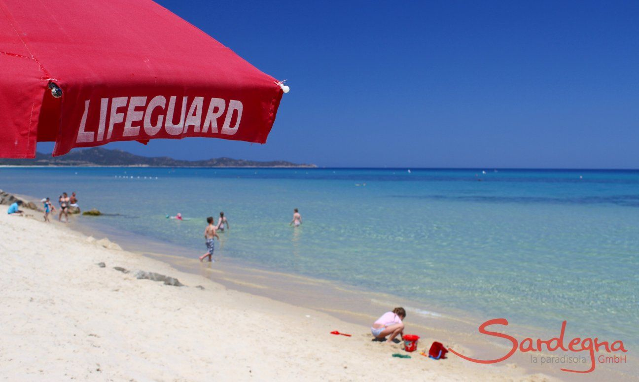 Cala Sinzias Beach with lifeguard for your security