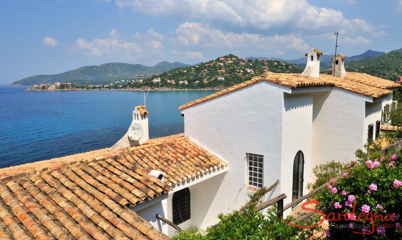Villa Bella directly on the sea in Torre delle Stelle