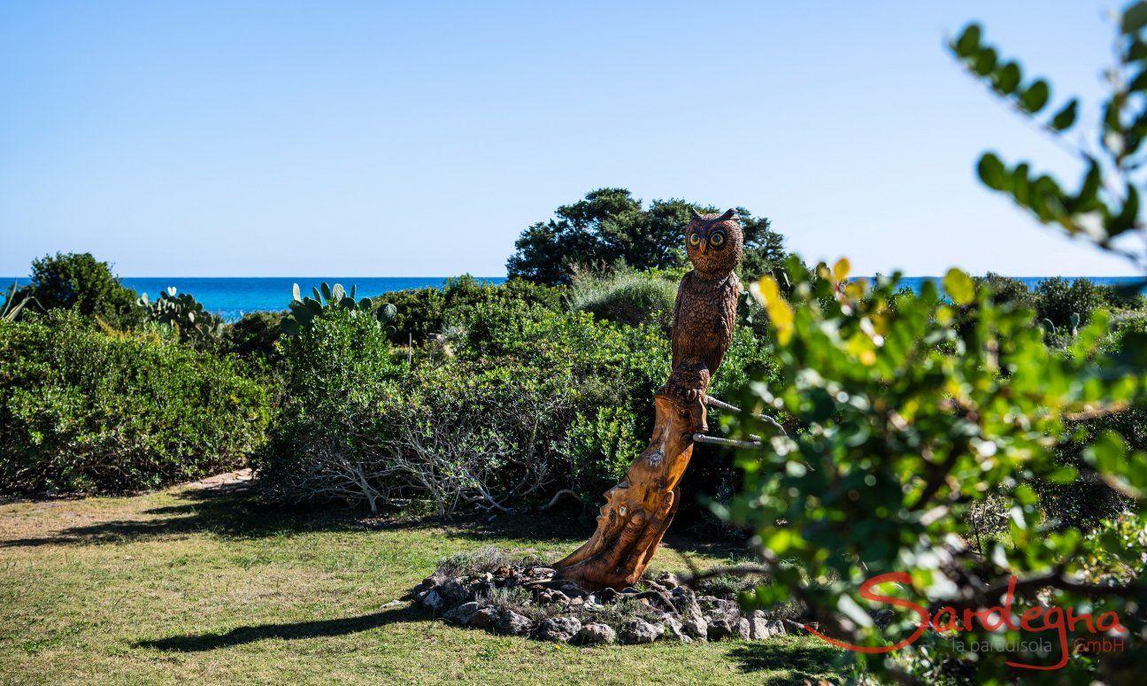 Statue owl Villetta 3 Costa Rei