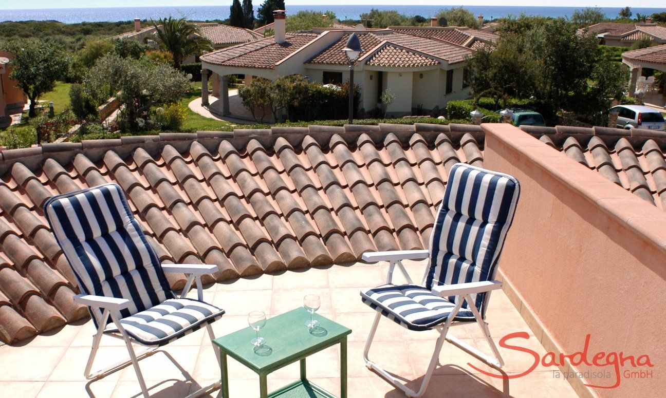 Roof terrace with sea view towards the sea