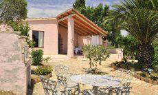 Side view of Villa Fiori 2