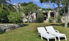 Beautiful and wide garden of Casa 5