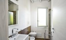 Modern bathroom 1 with shower and bidet