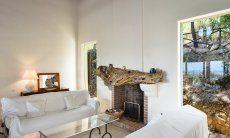 Sofa corner at the fireplace
