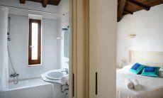 Bedroom 1 with bathroom with bathtub