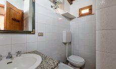 Bathroom 2 with a bidet