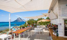 Restaurant direclty on the beach of Porto Taverna