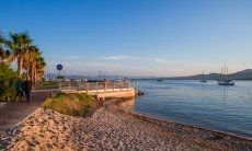 Sandy beach right in the town of Golfo Aranci