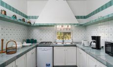 Kitchen countrystile with gasstove, dishwasher, electrical appliances and microwave