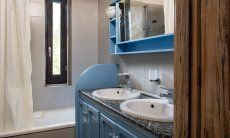 Bathroom with bathtub Villetta Quattro Costa Rei