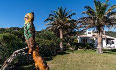 Owl statue with garden Villetta 3 Costa Rei