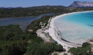 Brandinchi, Strand, spiaggia