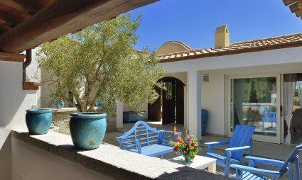 Courtyard Sardinian stile Villa Campidano 21